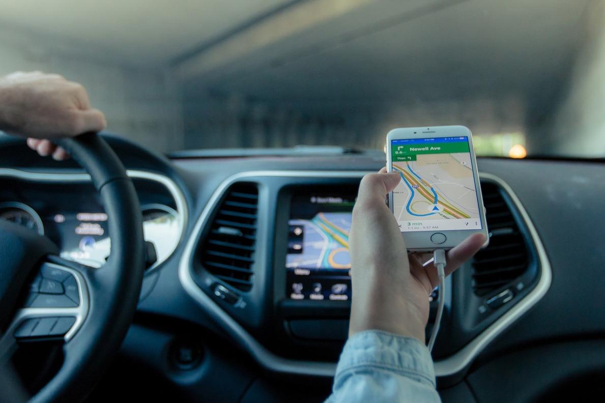 Pourquoi utiliser un traceur GPS pour voiture ? Avantages