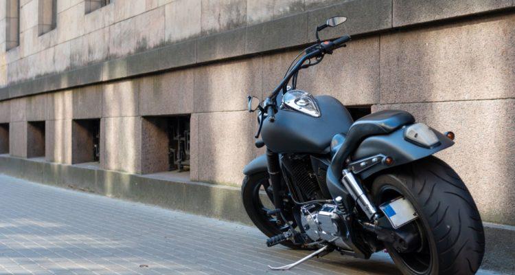 changer pneu de moto