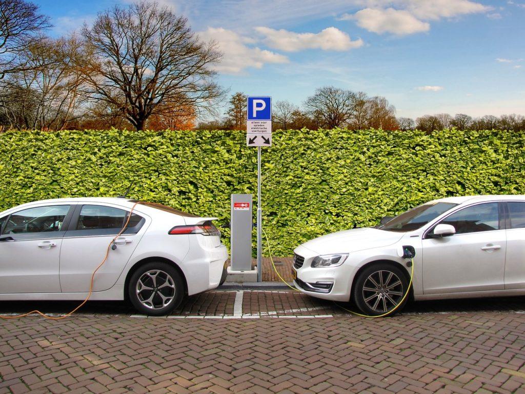 voiture électrique a l'énergie non polluante